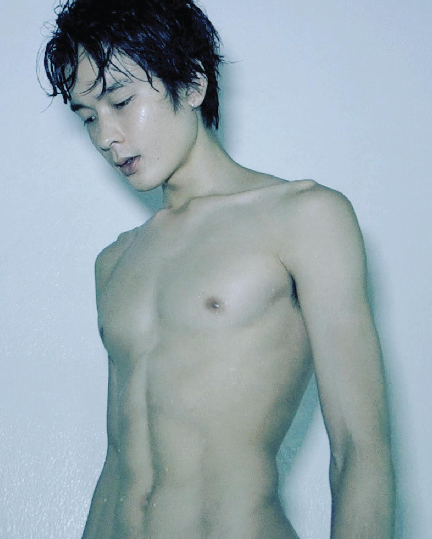 Shun Yamazaki 山崎俊 from Velbed Models Tokyo shot by Ron Wan in Hong Kong
